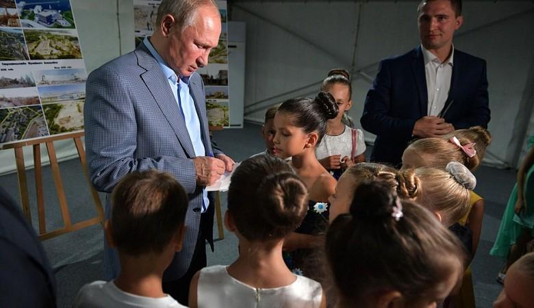 Голодец рассказала Путину о будущем культурного кластера на мысе Хрустальном