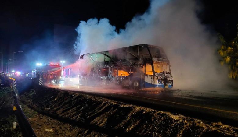 В Таиланде 5 человек сгорели при пожаре в двухэтажном автобусе, ещё 20 пострадали