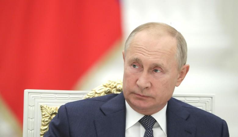 Путин рассказал о хорошем иммунном ответе после прививки от COVID-19