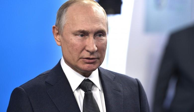 Путин дал поручения кабмину по программе материнского капитала