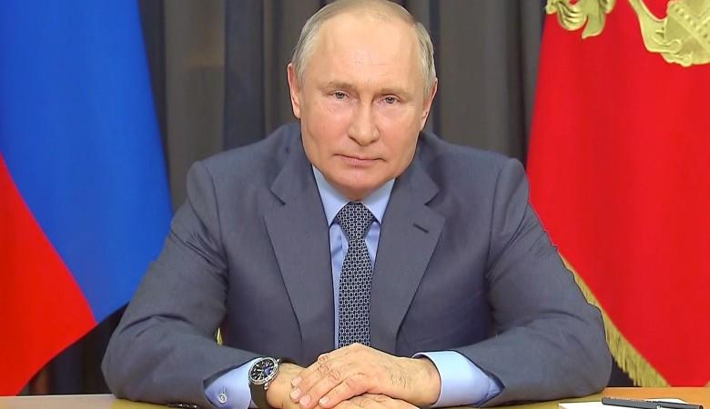 Путин рассказал об увеличении финансирования социальных проектов до 5 млрд рублей