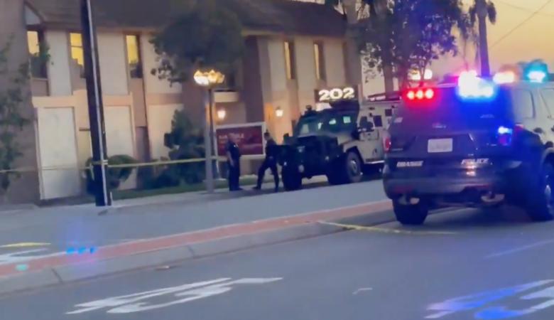 В Калифорнии неизвестный расстрелял прохожих, убиты 4 человека, 2 ранены