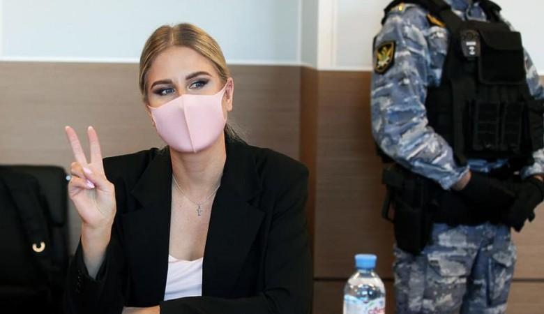 Суд приговорил Любовь Соболь к году исправительных работ условно