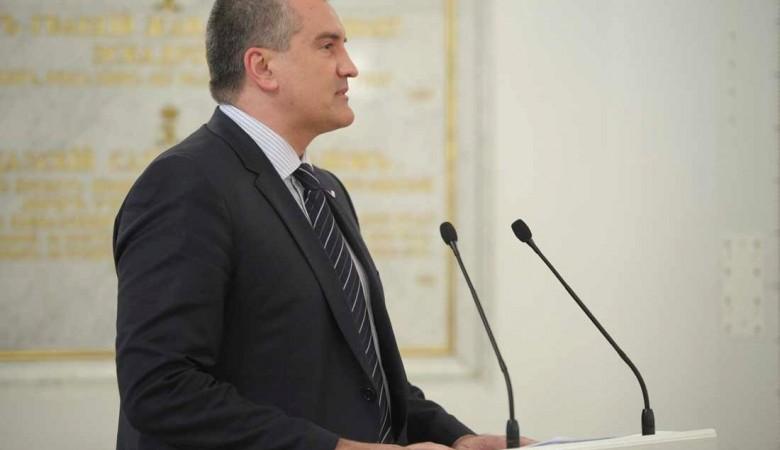 Аксенов не исключил вероятности закрытия въезда в Крым из-за коронавируса