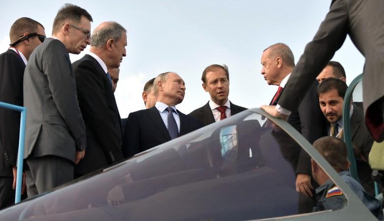 Путин показал Эрдогану новейшие истребители на экспозиции авиасалона МАКС-2019