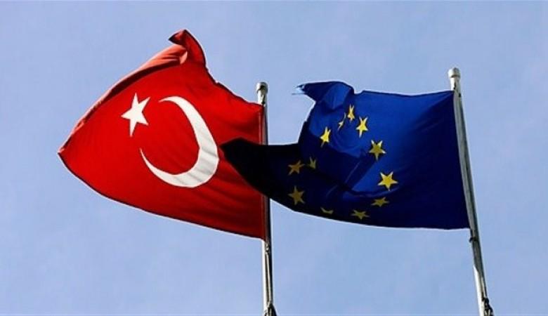 Еврокомиссар: вступление Турции в ЕС маловероятно, пока президентом остается Эрдоган