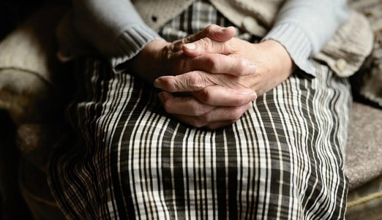 В Севастополе женщина представилась соцработником и украла у пенсионерки 310 тысяч рублей