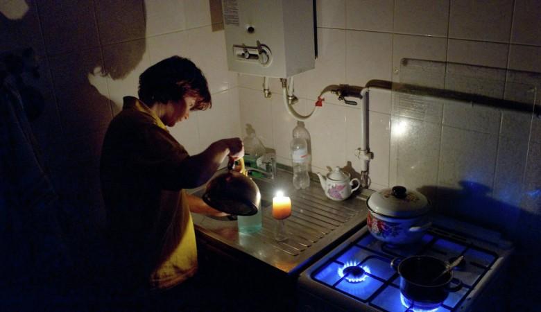 Жителям Севастополя сократили подачу электроэнергии с 6 до 4 часов в сутки