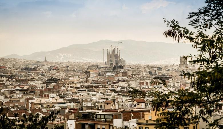 Еврокомиссия впервые рекомендовала ЕС разрешить въезд туристам с прививкой от COVID-19