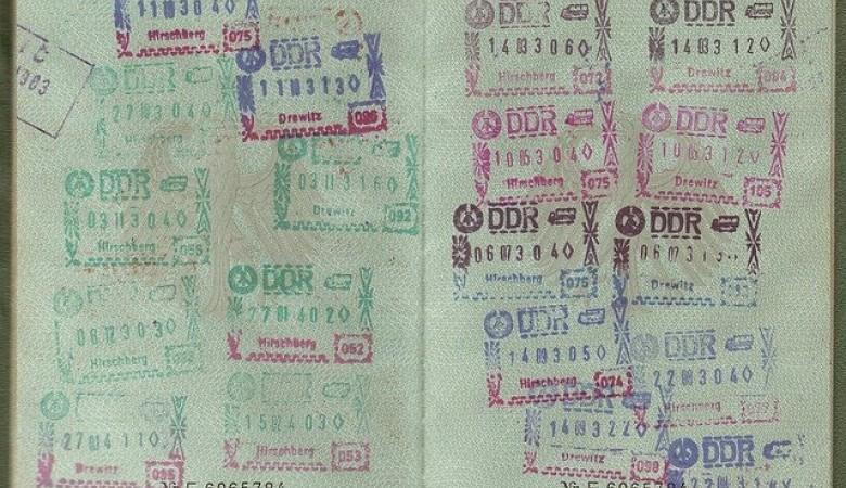 Крымчанам не выдадут шенгенскую визу по российскому паспорту