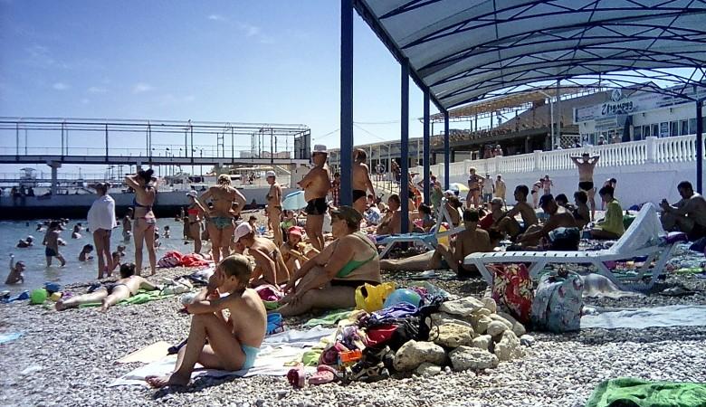 Глава Севастополя пригрозил расторжением договоров с недобросовестными операторами пляжей
