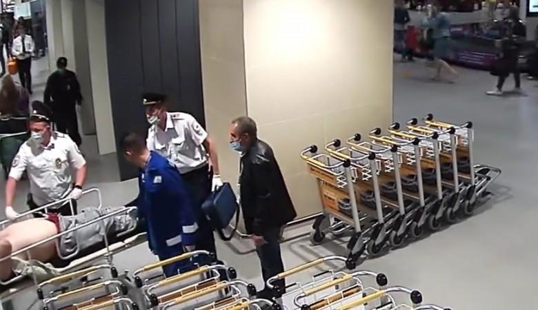 Полицейские реанимировали пассажира с остановкой сердца в крымском аэропорту