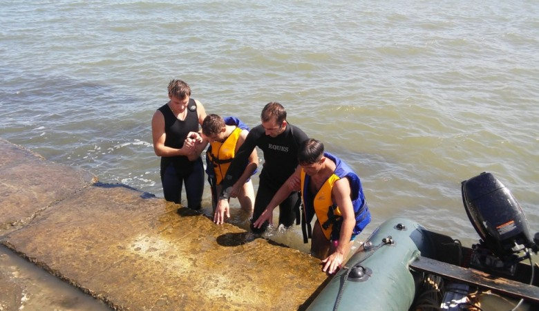 В Керчи спасли двух мужчин, не рассчитавших силы во время заплыва