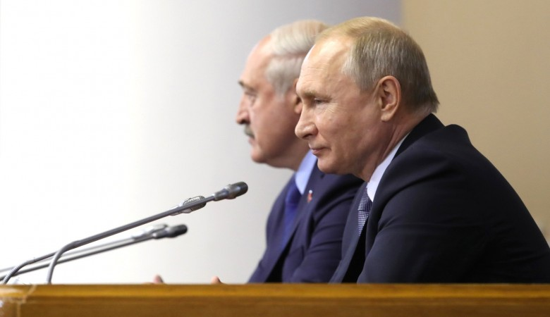 Лукашенко и Путин обсудили по телефону текущую повестку