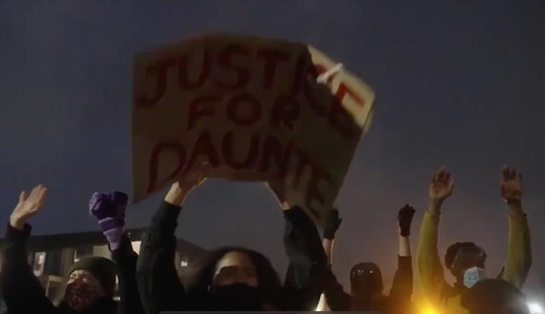 В Миннесоте второй день идут митинги из-за убийства полицией темнокожего