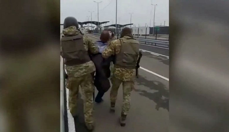 Чтобы попасть в Крым житель Запорожья пошел на таран
