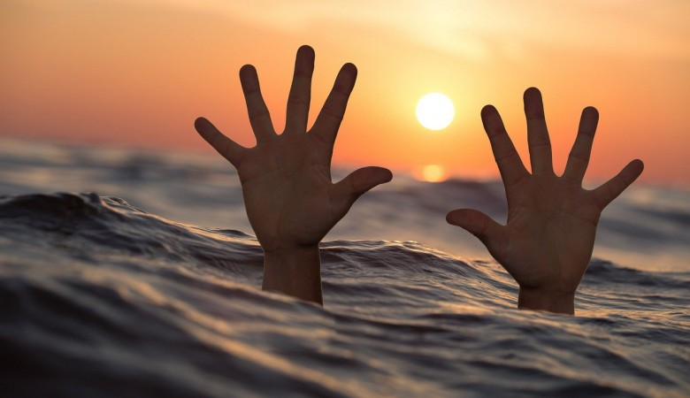 Первого утопающего в Севастополе спасли спасатели в этом году
