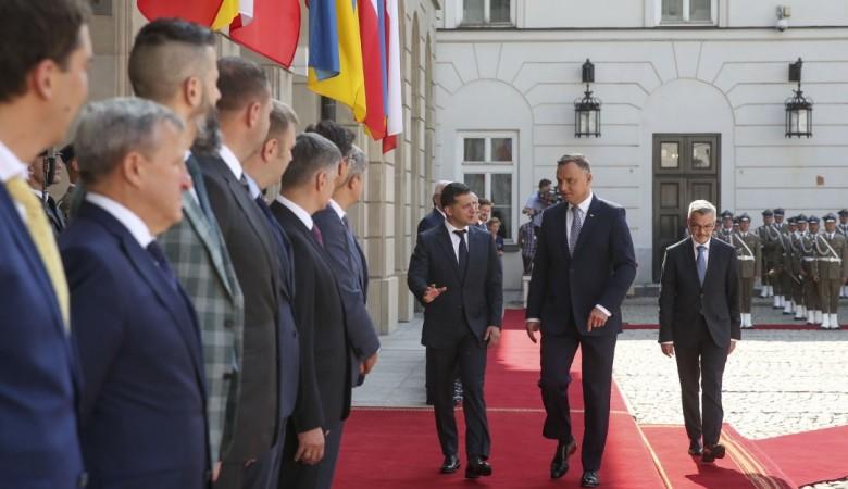 Зеленский увидел в «Северном потоке – 2» угрозы для всей Европы